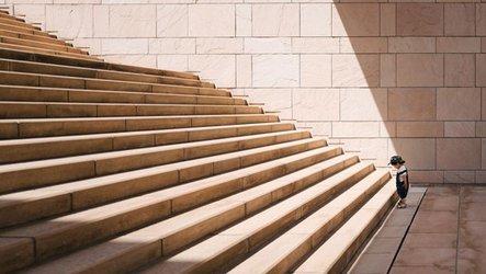 joe blog - stairs